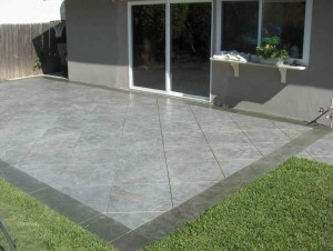 CONCRETE WITH TRIM