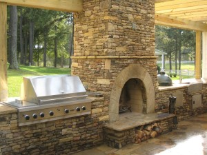 Contemporary-Outdoor-Fireplace-Designs
